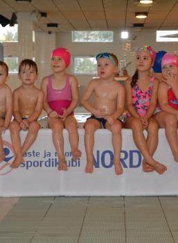 Tunnustasime ujumistrenni vahvaid lapsi!