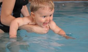 Väikelaste ujumistunnid Sõle ujulas